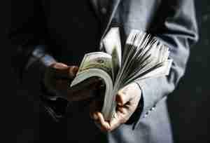 民間金主借款是什麼?合法利率的金主要上哪找?